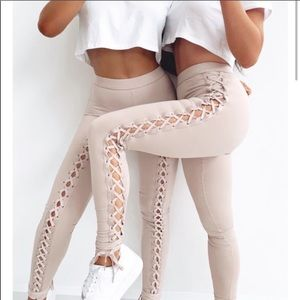 NWT WHITE FOX Lace Up Side Leggings Sexy Workout S